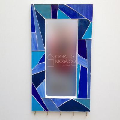 Espelho de mosaico com porta-chaves