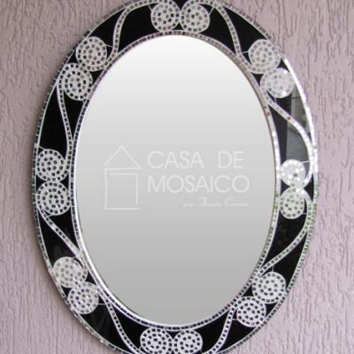 Espelho oval com borda de vidro preto e espelho