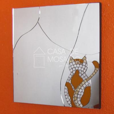 Espelho quadrado de gato em mosaico