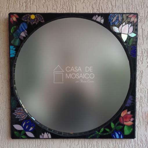 Espelho com flores em mosaico de vidro, inspirado em Gustav Klimt