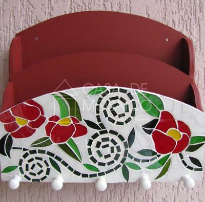 Porta-cartas e porta-chaves com flores de mosaico