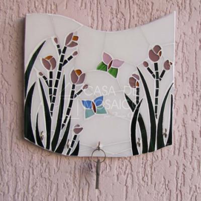Porta-chaves em vidro com florzinhas e borboletas