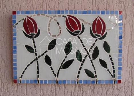 Porta-chaves com tulipas e folhas