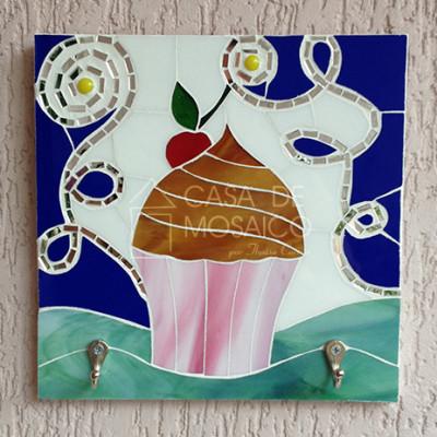 Cabideiro com cupcake em mosaico