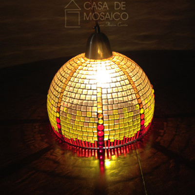 Luminária de mosaico