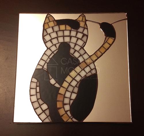 Quadro e espelho com gato em mosaico