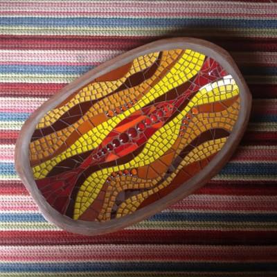 Projeto especial: gamela de madeira com mosaico de vidro