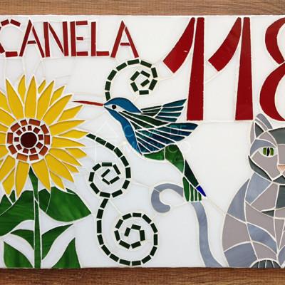 Número em mosaico para residência