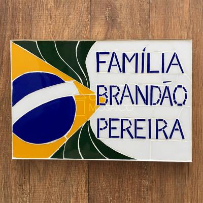 Quadro de mosaico com nome de família
