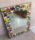 Espelho retangular com borda em mosaico de primavera